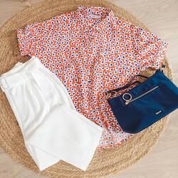 Un poco de color para atraer al tiempo veraniego 🙌  ⠀⠀⠀⠀⠀⠀⠀⠀⠀ ¿Sois más de blusas o camisetas?